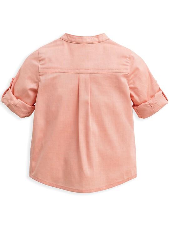 قميص بلون وردي image number 4
