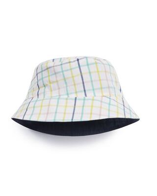 قبعة مخططة وبنقشة مربعات