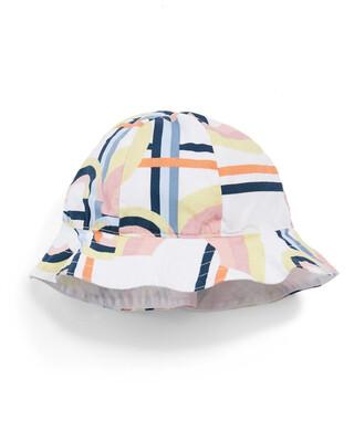 قبعة بنقشة رسوم هندسية
