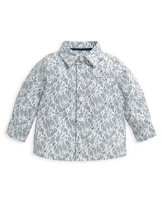 قميص بنقشة بيزلي متناثرة